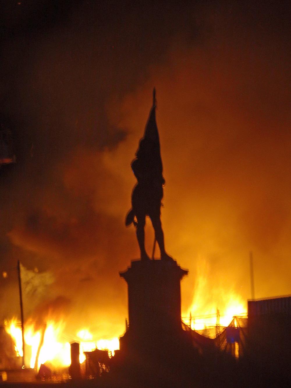 0317 Noumea fire 3 Fire2