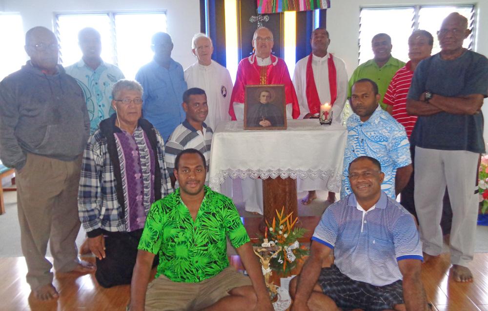 0417 Alolis G 1 Fiji retrea